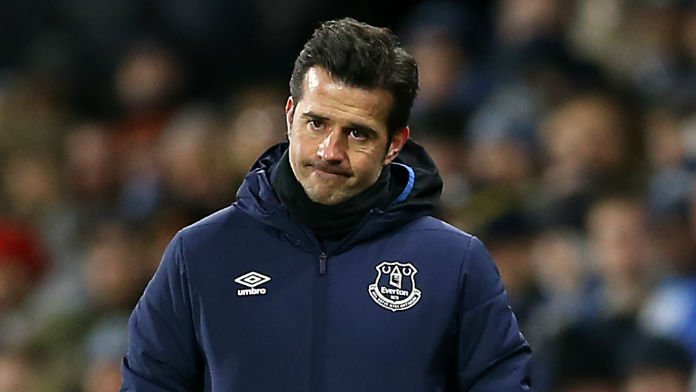 Howe Favourite for Everton Job After Silva Backed for Exit